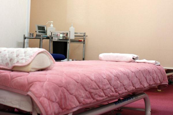 美容鍼鹿児島市清香鍼灸治療院のベッド
